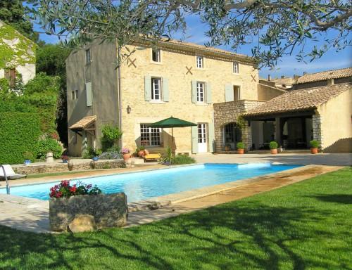 Location gite Gard avec spa et piscine à Orsan